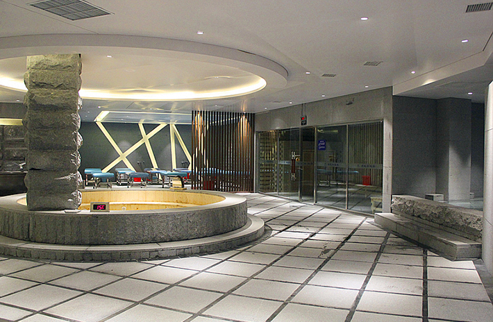 青瓦台韩式汤泉位于青岛市城阳区中心地带,被视为城阳区健康沐浴头等